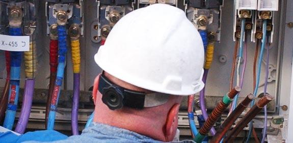 חשמלאי עבודה פועל חברת חשמל / צלם: אריאל ירוזלימסקי